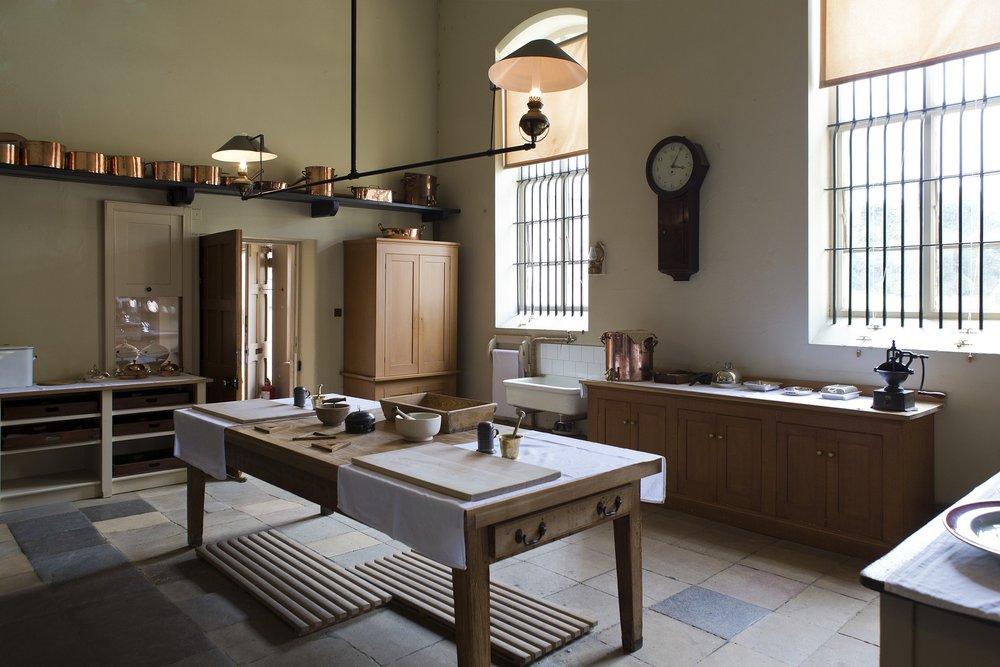 victorian-kitchen-770286_1920.jpg