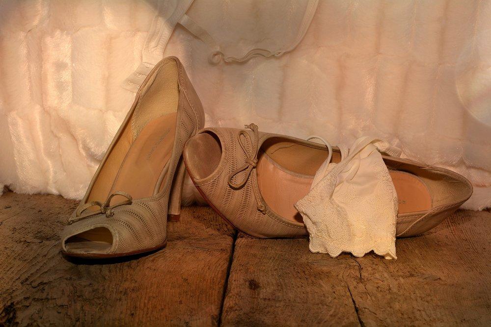 shoes-616221_1920.jpg