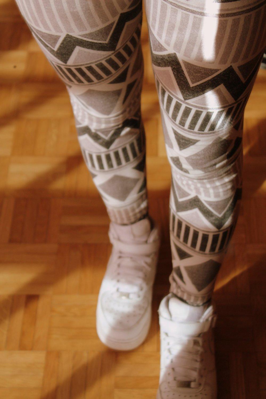 legs-117040_1920.jpg