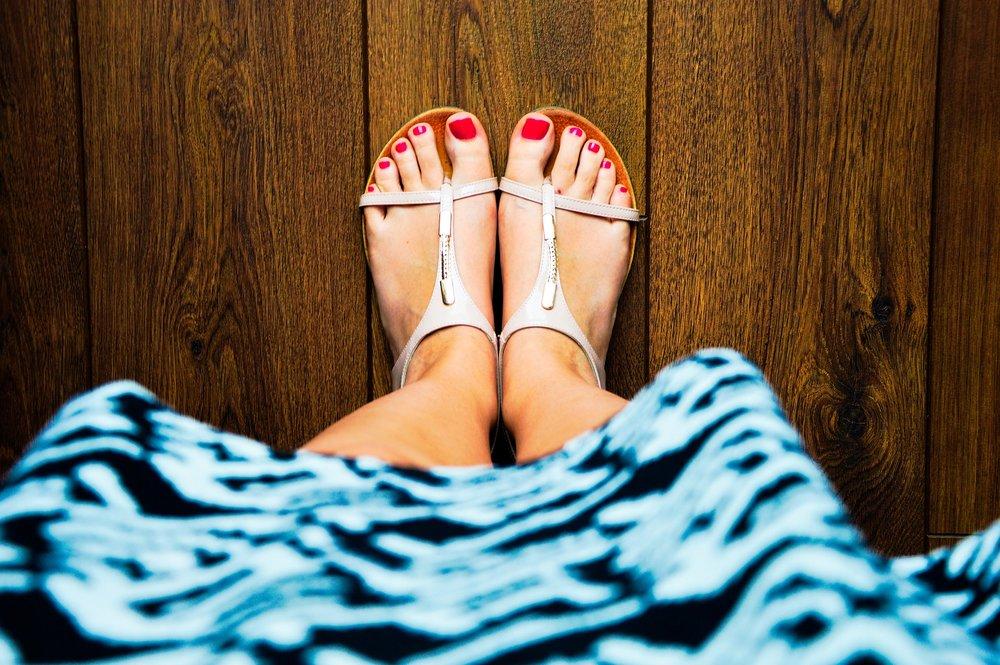 sandals-932756_1920.jpg