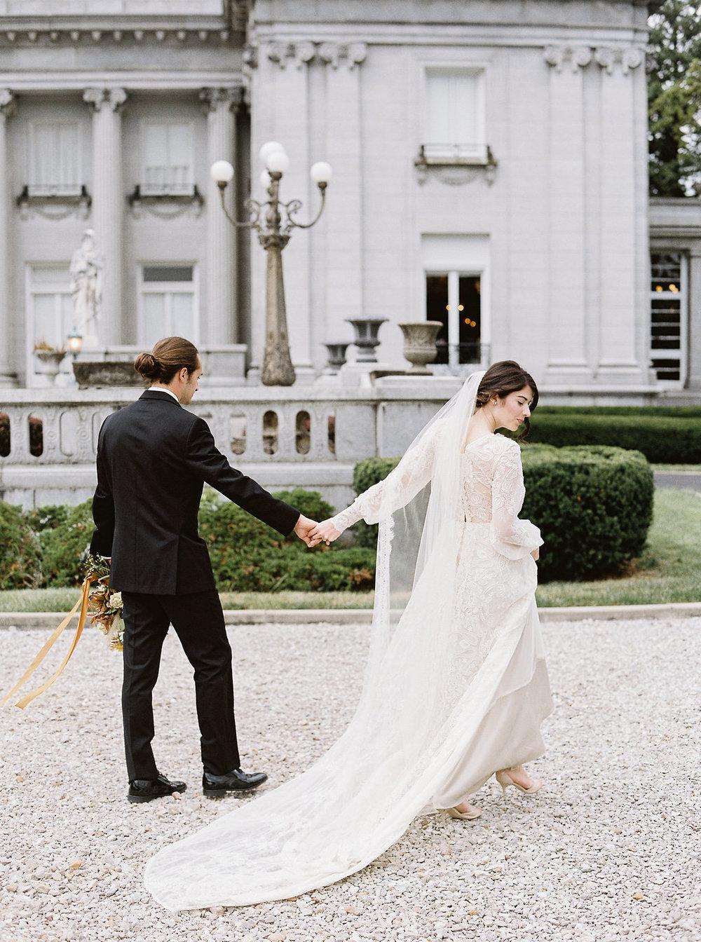 fall-wedding-Jenny-haas-Samantha-joy-events-laurel-court-cincinnati-wedding-bride-and-groom3