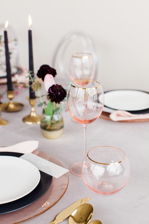 modern-red-pink-tablescape-cincinnati-wedding-planner-event-design.jpg