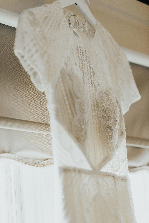 wedding-dress-cincinnati-wedding-planner-terrapin-village-katie-griff.jpg