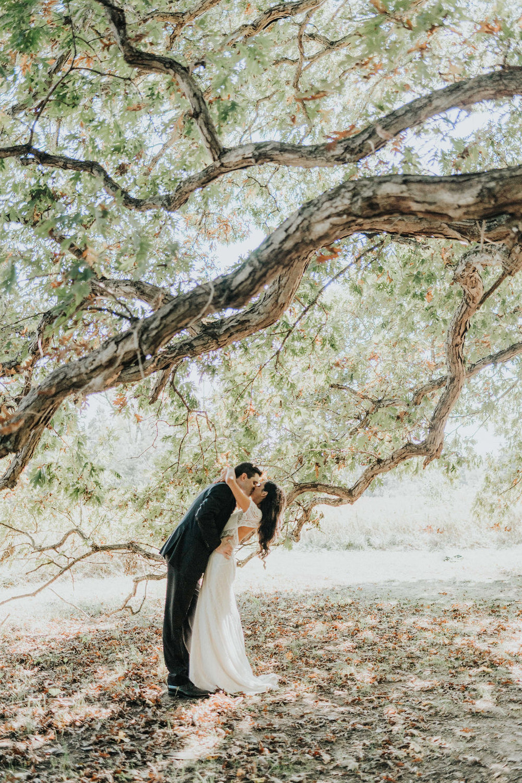 backyard-wedding-terrapin-village-first-look-ohio.jpg