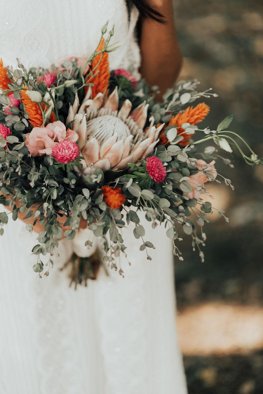 bridal-bouquet-backyard-wedding-cincinnati-ohio.jpg