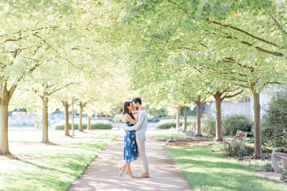 indianapolis-museum-of-art-engagement-session.jpg