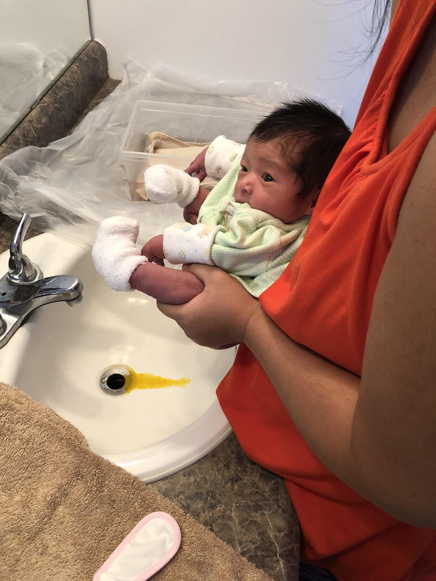 2c40ea5fc5e Elimination Communication With a Newborn (First 2 Weeks) — Komfi Baby