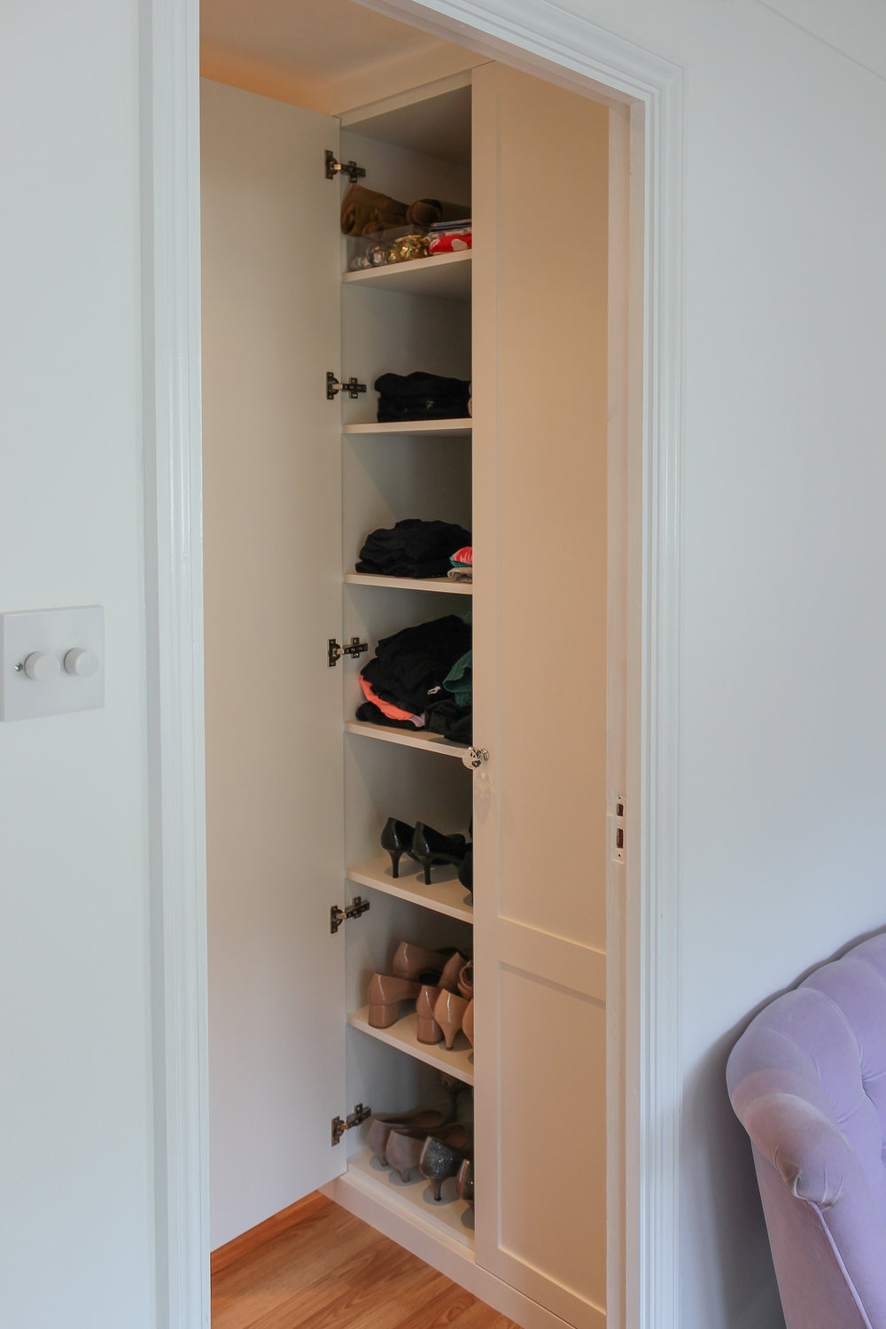 Shoe cabinet in MR-MDF and MFC
