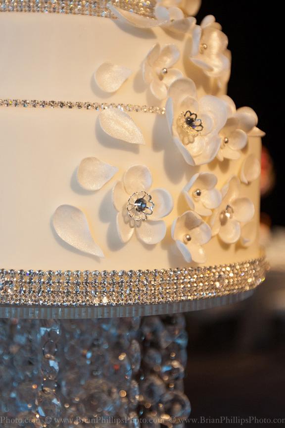 i-dream-jeanne-cakes-wedding-extravagant-brian-phillips-photo-a4.jpg