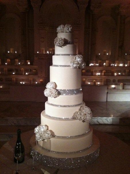 i-dream-jeanne-cakes-wedding-extravagant-poorquality-01.jpg
