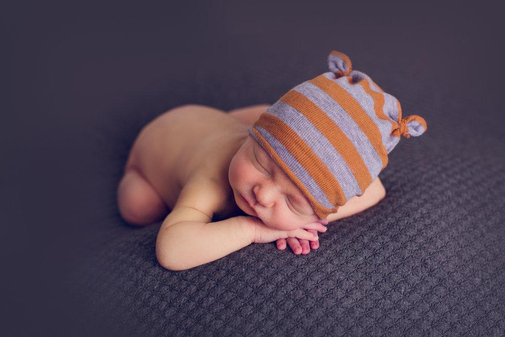 max-newborns-lafayette-indiana-photographer-newborn-photographer-69.jpg