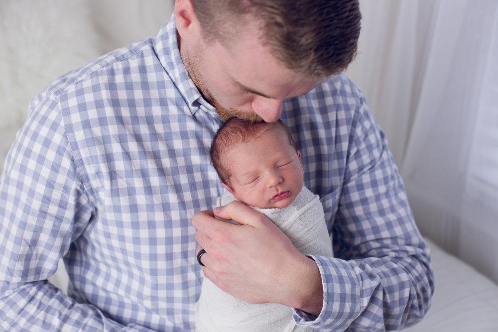 max-newborns-lafayette-indiana-photographer-newborn-photographer-30.jpg