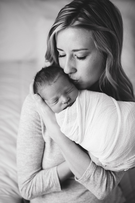 max-newborns-lafayette-indiana-photographer-newborn-photographer-14.jpg