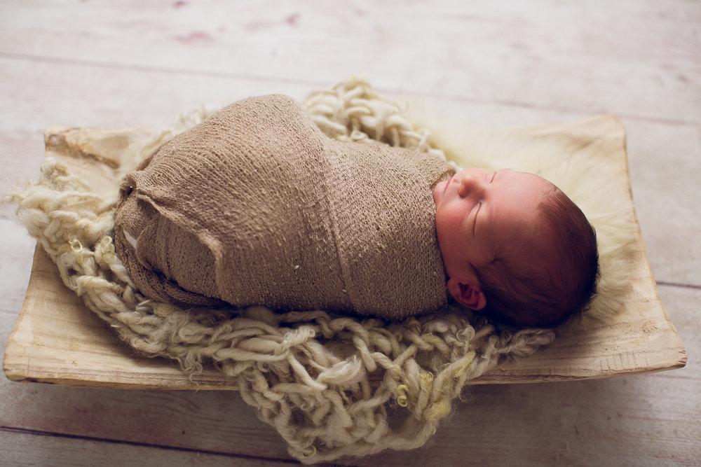 max-newborns-lafayette-indiana-photographer-newborn-photographer-3.jpg