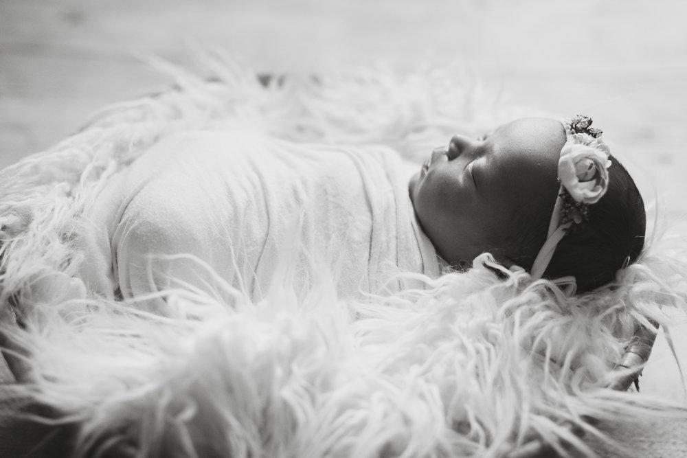 Izetta Newborn Photographer Lafayette Indiana-25.jpg