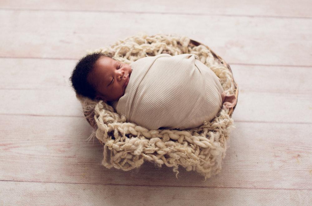 Natural Newborn Photographer Lafayette Indiana-2.jpg