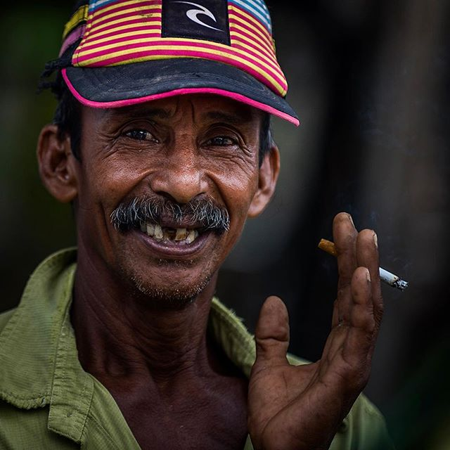 1/7 This week will be a bit different here on my instagram. . I have challenged my self to post only people pictures - so I am a bit out of my comfort zone! . Please be gentle - and please play along #peopleweek . First portrait is of a wonderful man I met in parepare, Sulawesi. . #portraitphotography #portrait #beautifulpeople #travel