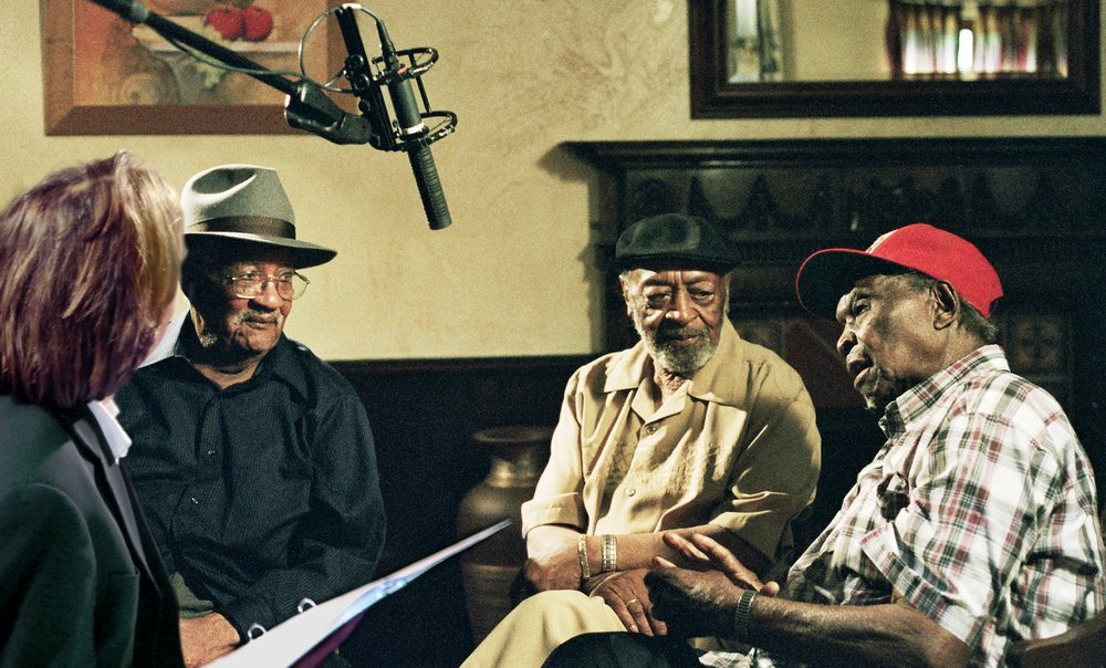 Director Bernard MacMahon interviewing Homesick James, Robert Lockwood Jr. and Honeyboy Edwards  ©2017 Lo-Max Records Ltd.