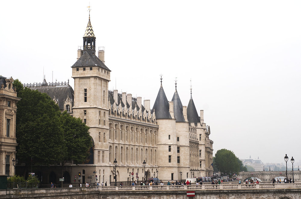Conciergerie paris copy.jpg