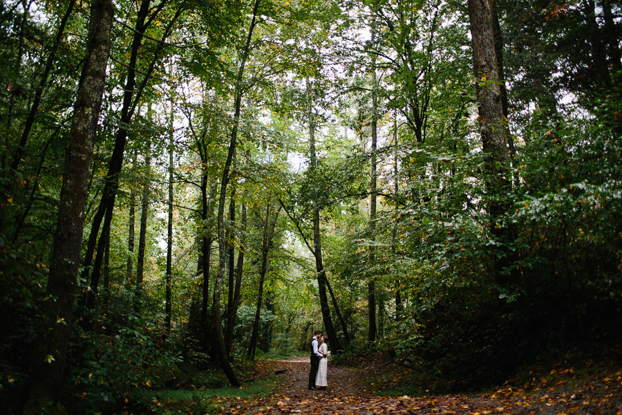 038-asheville-north-carolina-camp-wedding-destination-wedding-photographers-the-livelys-3.jpg