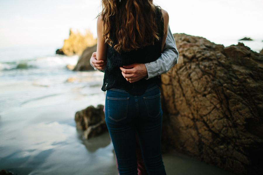 007-el-matador-beach-malibu-california-engagement-session-the-livelys.jpg