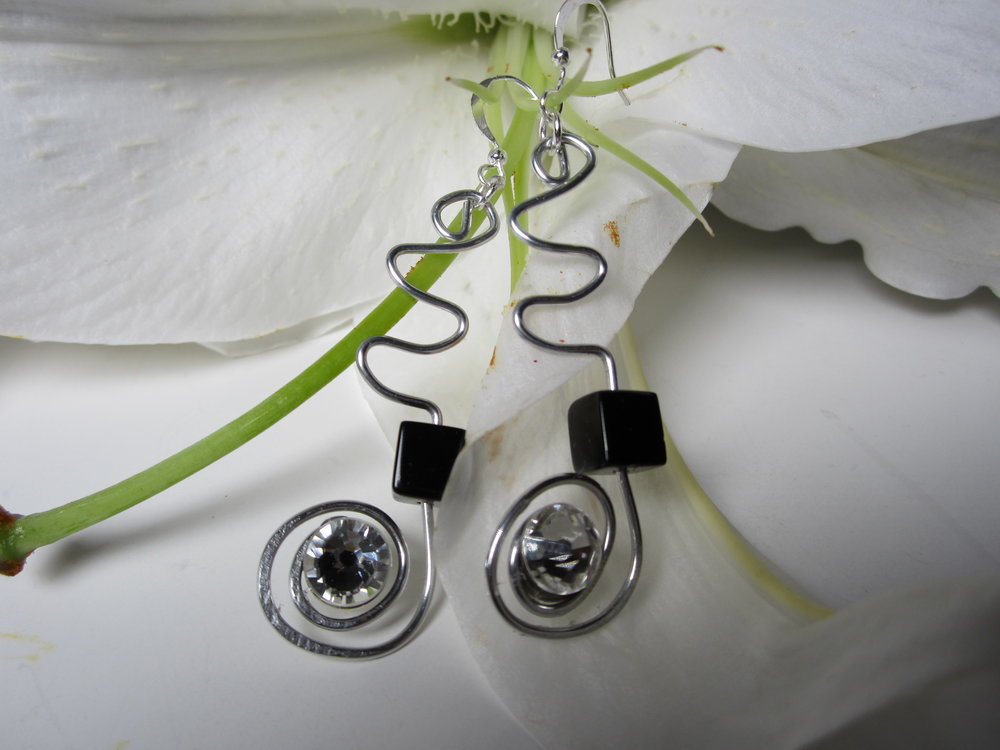 Swirl-Earrings-Onyx-maybe.jpg