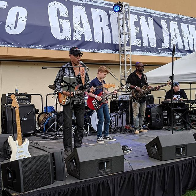 The desert's own, Chicago bred guitarist John Carey' got his mojo working with 14 year old @tobyleeguitar. We've got table seats and grounds passes available at www.gardenjammusicfestival.com