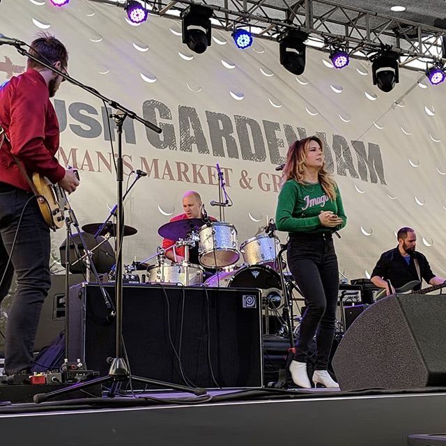 @luciesilvas opens up the 2019 Wedbush @gardenjammusicfestival