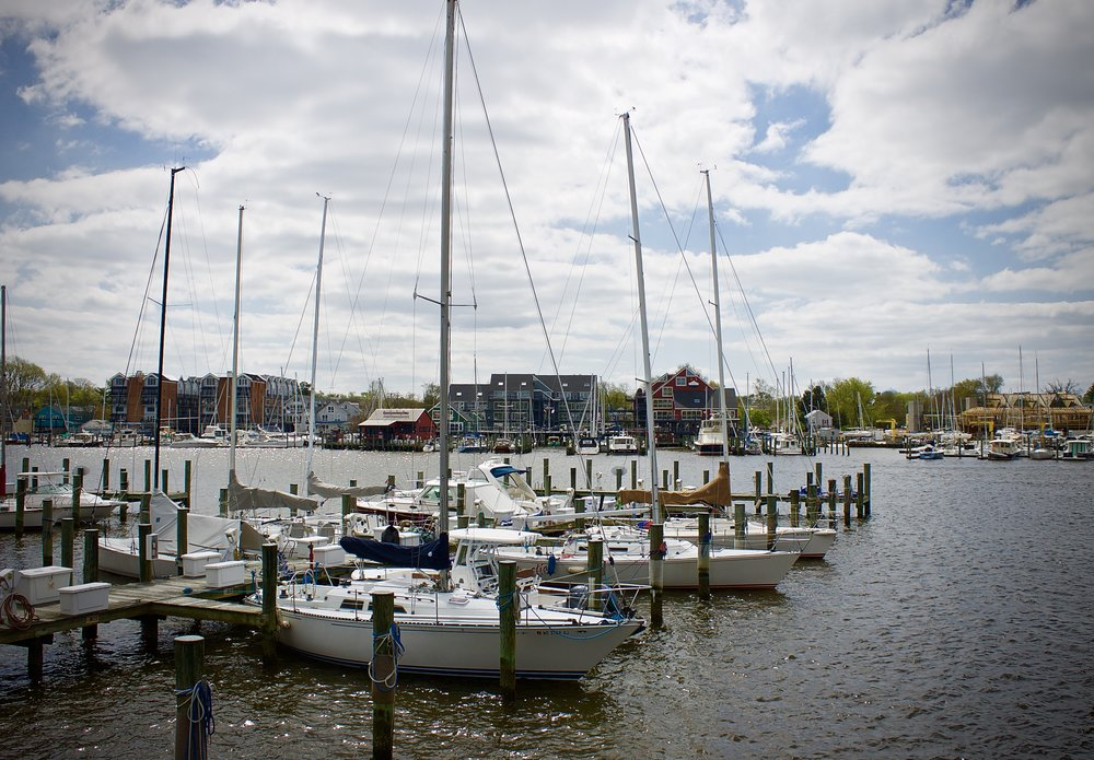 The waterfront is just minutes from Historic Annapolis. An easy five minute walk