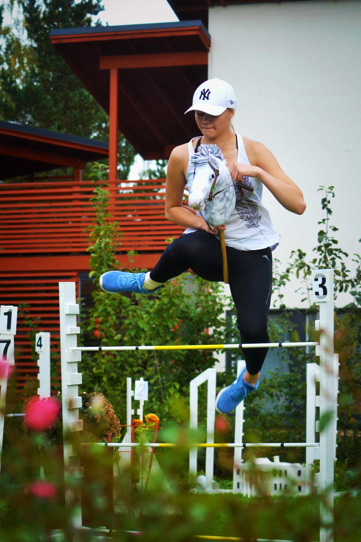 Hobby_horse_jumping.jpg