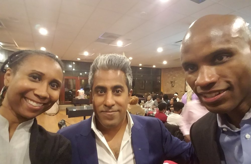 [Anand is the guy in the middle; that guy on the right is my hubby. If you haven't figured it out, that's me to the left.]