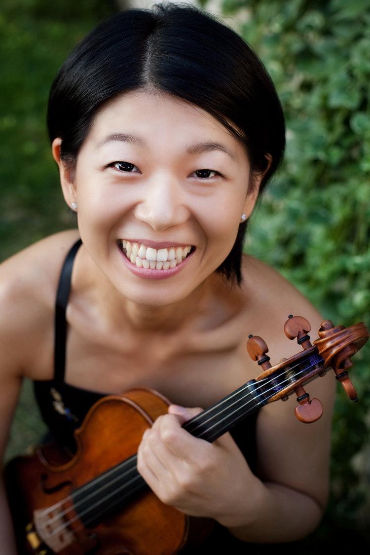 Ayano Ninomiya, Violin