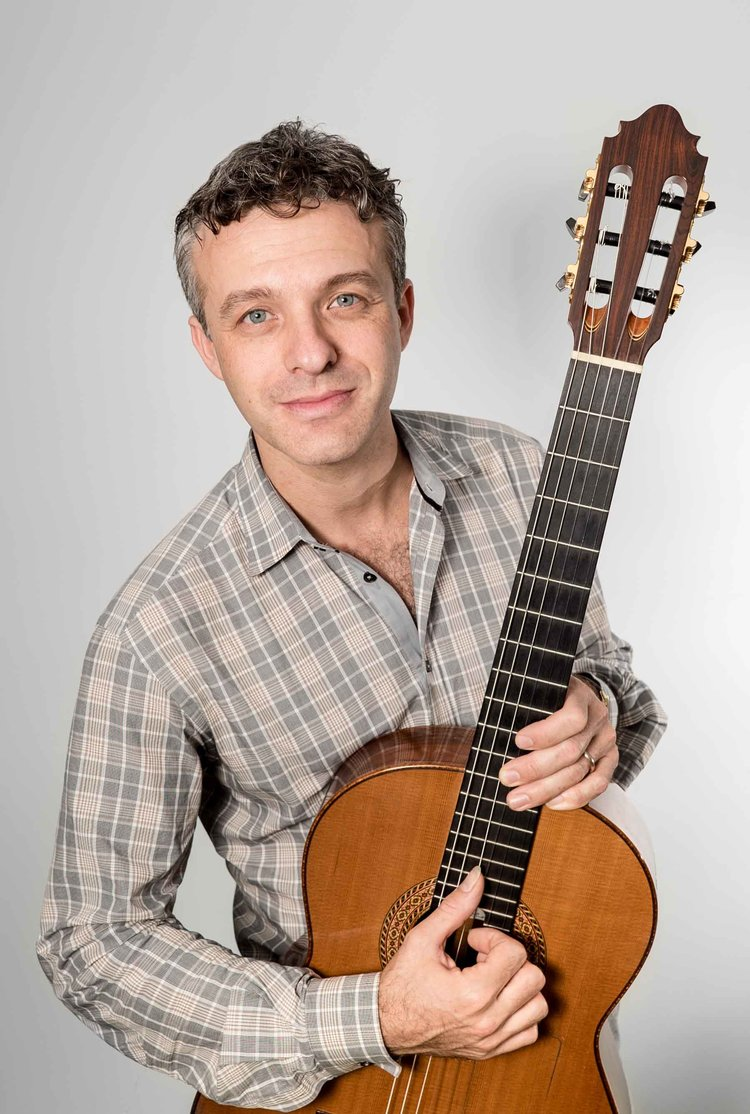 Rami Vamos, Guitar