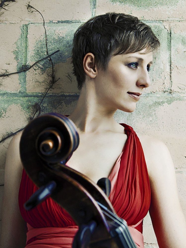 Alexis Pia Gerlach, Cello