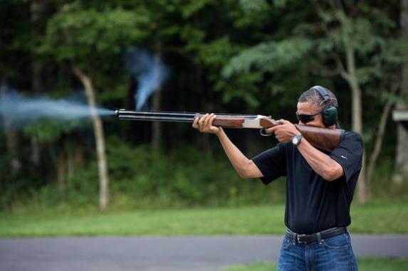 obama+with+gun (1).jpg