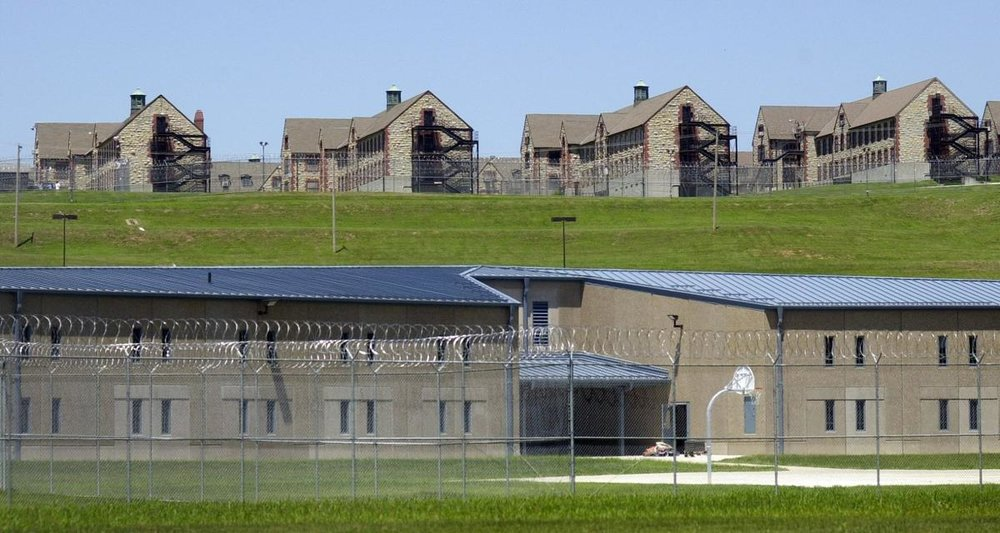"""The Missouri Board of Probation and Parole allegedly toyed with prisoners during hearings by PLAYING WORD GAMES DURING HEARINGS - trying to get them to say a chosen word or song title of the day, such as """"platypus"""" and """"Hound Dog."""" [ more ]  THE PAROLE BOARD  CONSISTS OF 6 MEMBERS, 5 are white."""