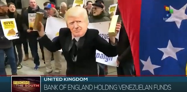 Protesters outside the Bank of England on 2/8/19 asking the bank to release $ 2 billion in gold that belongs to Venezuala's government.