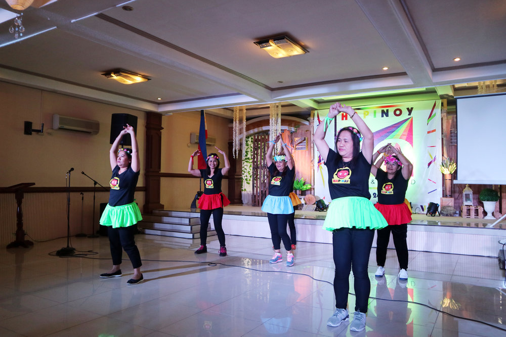 Pioneer Hapinoy Negosyantes from Quezon showcased their dancing skills.