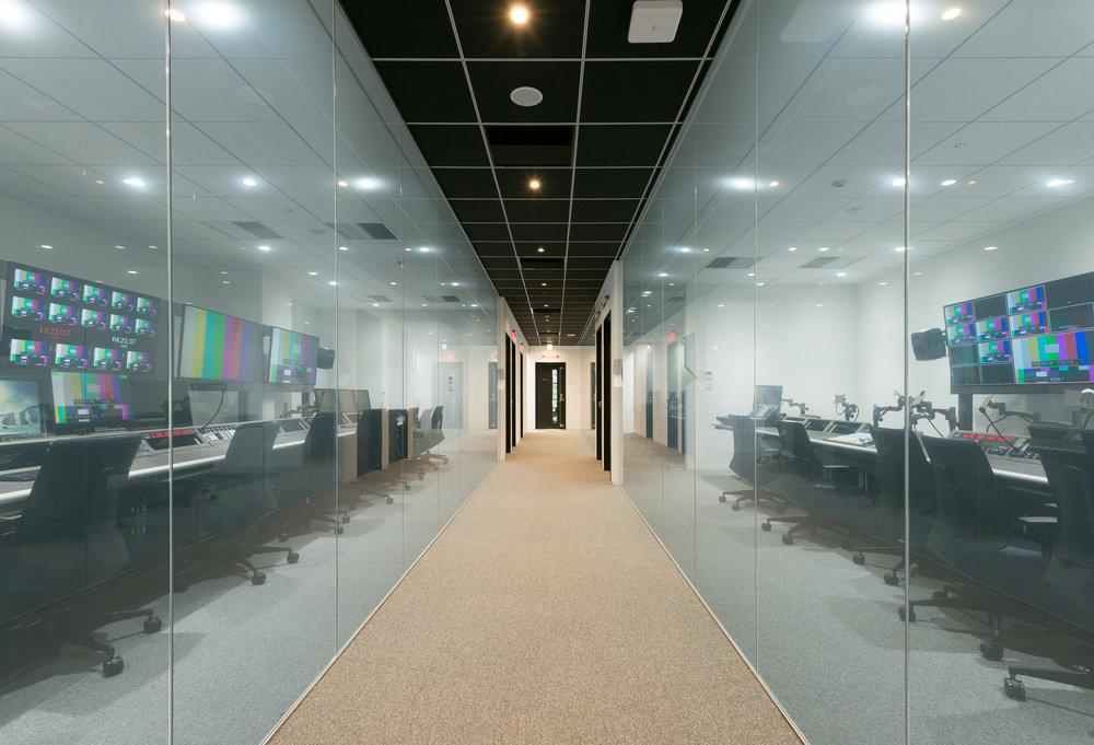 Perform1606Corridor-L.jpg