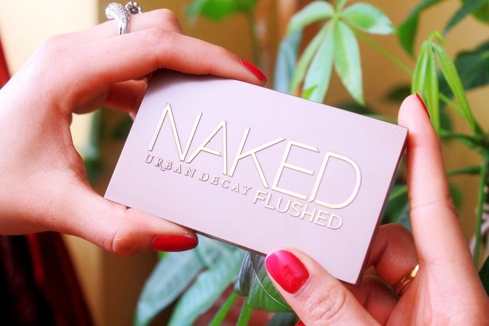Urban Decay Naked Flushed in Streak: - Urban Decay Naked Flushed in Streak: Bronzer, highlighter and a coral blush. An all-in-one palette that gives me a nice glow and it easily fits in my purse for touch-ups.