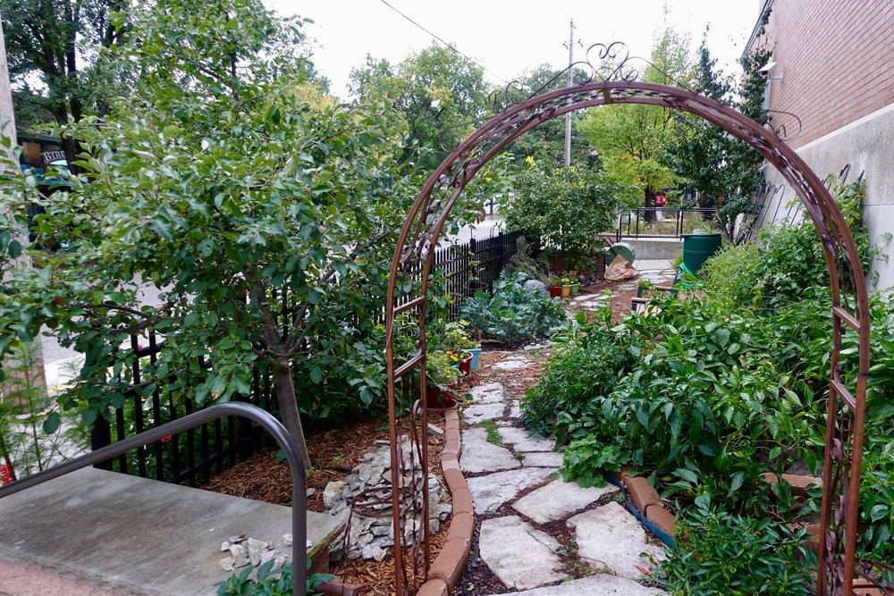 Kenwood garden archway.jpg