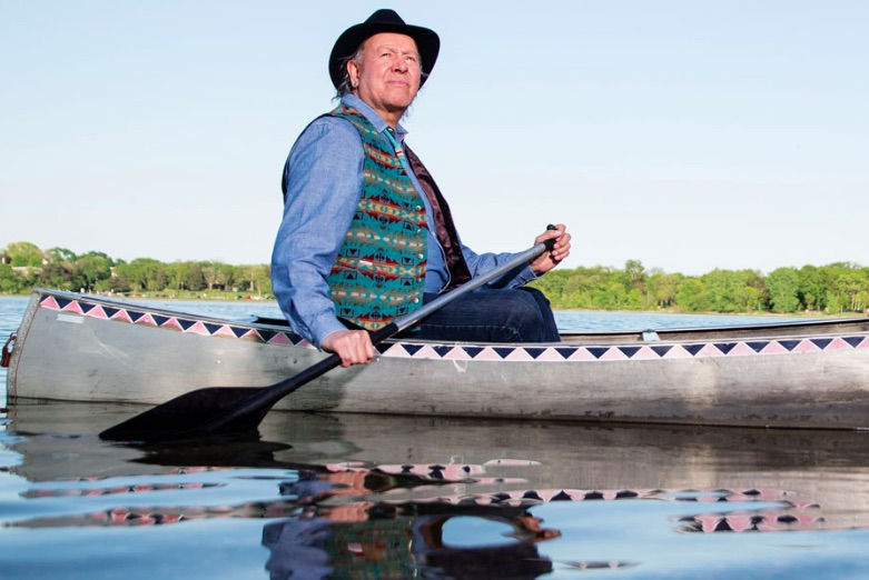 Syd Beane in canoe close.jpg
