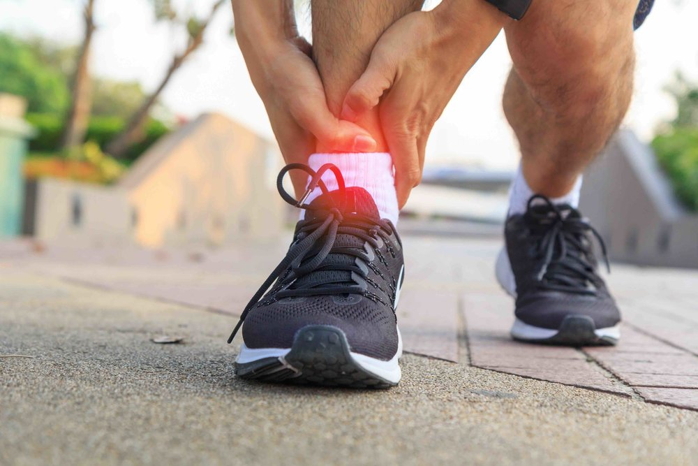 Sports Injuries - Common sporting injuries and conditions include archilles tendinitis, plantar fascciitis, stress fractures and ankle sprains. Many can be treated with minimally invasive techniques that speed up the recovery process.