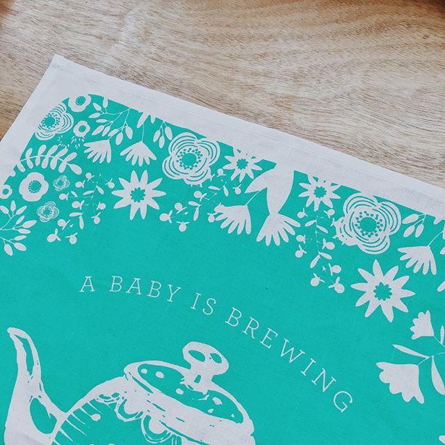 A baby is brewing. ☕️🤰🏼👶🏼 #babyshower #babyshowerteaparty #babyshowerinvitations #babyshowerinspo