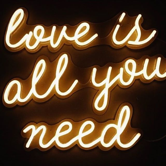 Love a little neon. ✨ 📷 @littlepineappleneon  #love #lovequotes #weddingstationery #weddingginvitation #neonlights #loveneon