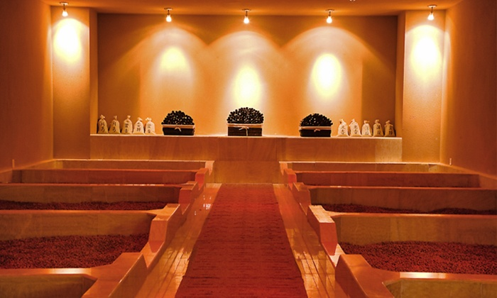 spa-red-clay-ball-room.png