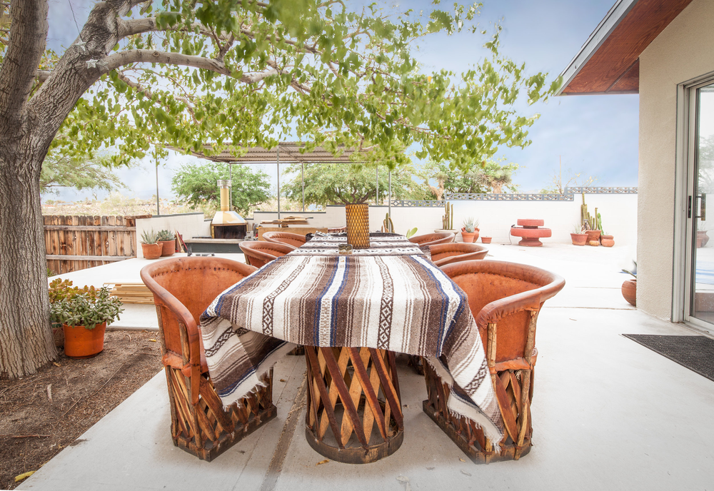 high-desert-outdoor-table.png