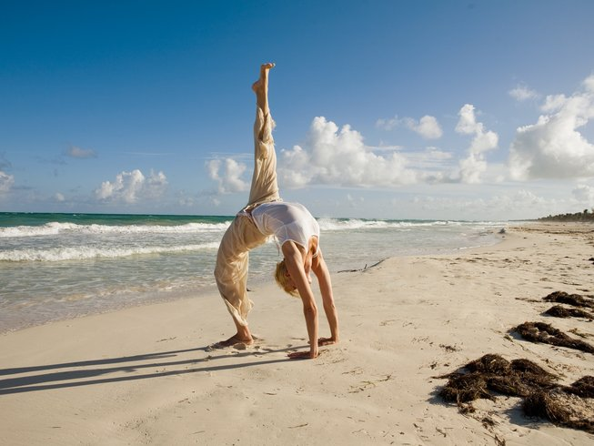 100hr-flow-yoga-teacher-training-bali.png