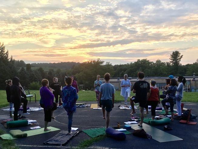 200hr-yoga-teacher-training-pennsylvania-usa.png