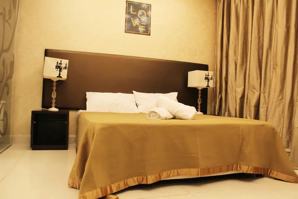 yoga-detox-retreat-kuala-studio-bedroom-love.png
